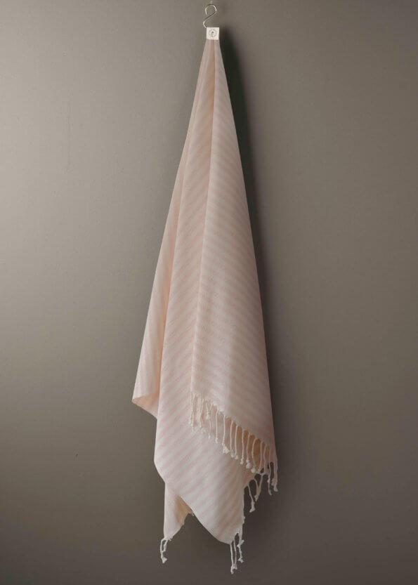 Produktbillede af santorini i lyserød stribet strandhåndklæde